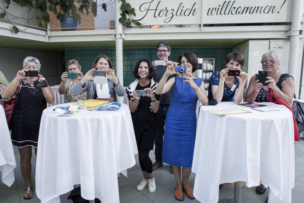 Gruppenfoto der Teilnehmer*innen des Workshops Spring ins Bild